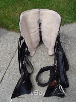 15.5 Vintage Black Leather Western Horse Parade Saddle w Tapaderos & Silver