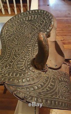 ANTIQUE VINTAGE LEATHER HORSE LADIES SIDESADDLE RARE. Very old