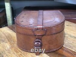 Beautiful quality vintage leather horse shoe collar trinket jewellery box / case