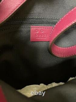 GUCCI Women's Vintage Burgundy Horse Bit Embossed Leather Shoulder Bag