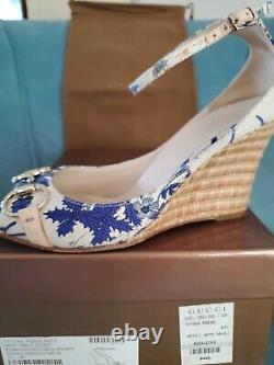 Gucci VINTAGE blue flora canvas with horse bit peep toe sandals 36.5