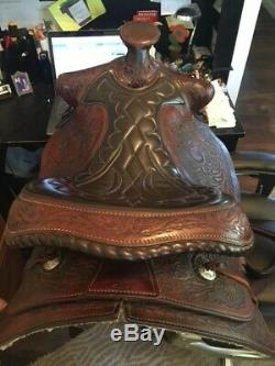 Nicely Tooled Vintage Western Saddlery Saddle 14 seat with horse head detail