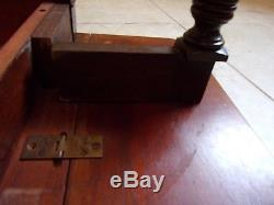Rare Beautiful Vintage Antique Horse Shoe Mahogany & Leather Hunt Coffee Table