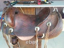 VINTAGE heavy duty ranch/ cowboy saddle, western collectables, horse tack