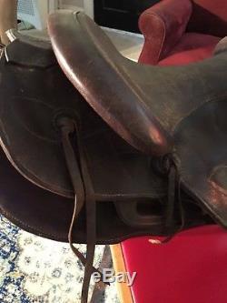 Vintage 16 Western saddle Horse Leather