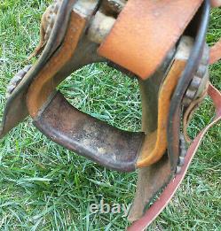 Vintage BIG HORN 465 Saddle 15 SEAT with TAPADERO Hooded STIRRUPS