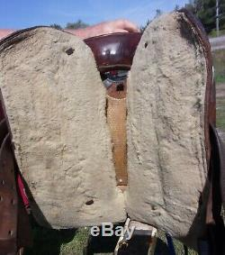 Vintage Tooled Leather Brown 14 Western Horse Saddle with Big Horn